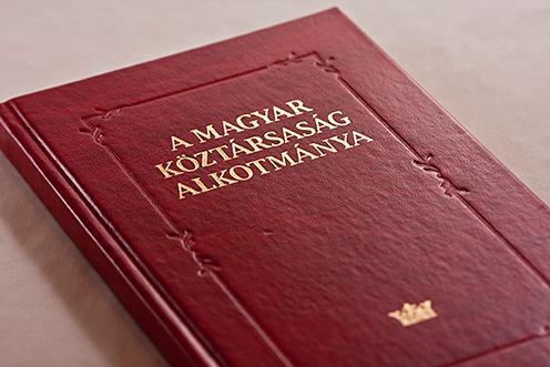 """Képtalálat a következőre: """"Magyar Köztársaság alkotmánya"""""""